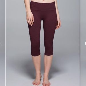 Lululemon - In The Flow Crop II